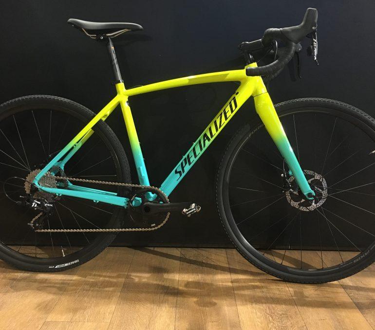 Die Ausstattung des Specialized CruX E5 Sport ist perfekt für Cyclocross