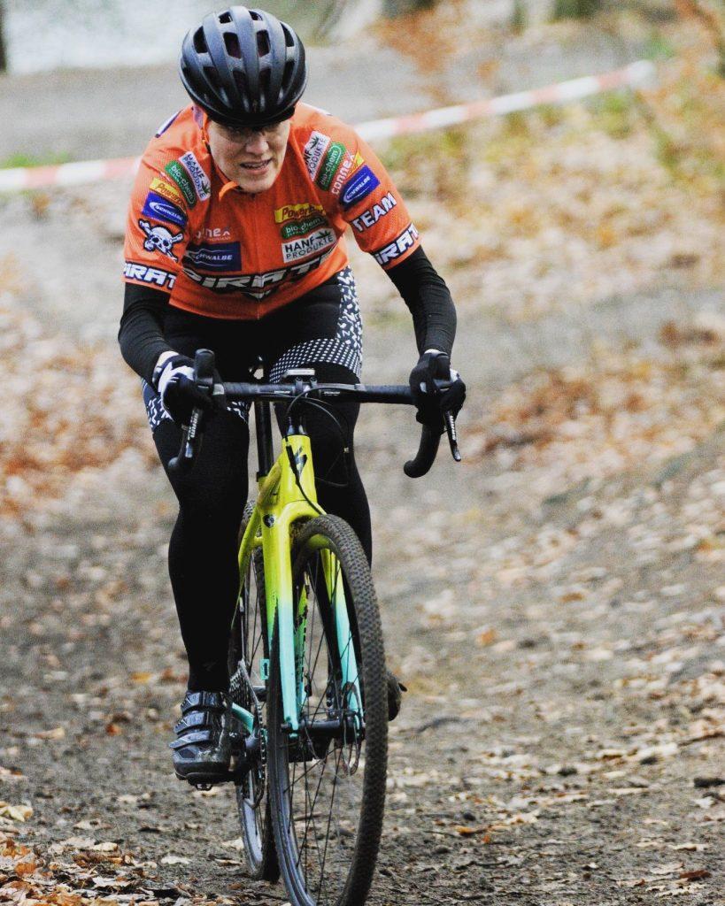 Cyclocross in Elmshorn erfordert jede Sekunde Aufmerksamkeit