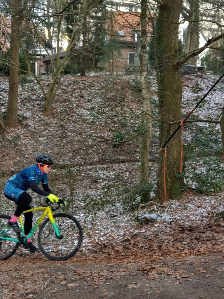 Die Strecke verlang alles von den Fahrerinnen des Cyclocrosscup