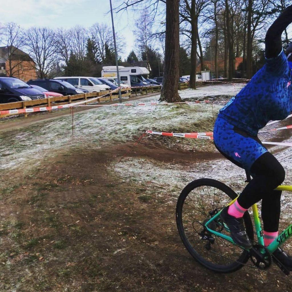 Winken ist zur Lockerung der Muskulatur wichtig beim Cyclocross