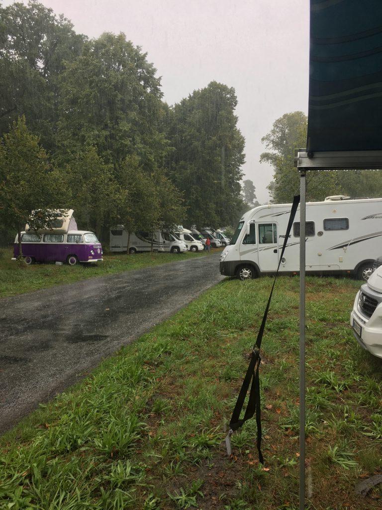 Die Bergerie Nationale in Rambouillet erwartet und mit Regen